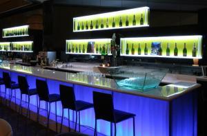 modern-bar